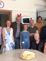Сотрудники ИМКБ, S O'Brien (1-й справа), D O'Brien (1-я слева), Д Ларкин (Royal Veterinary College, London) (2-й справа)