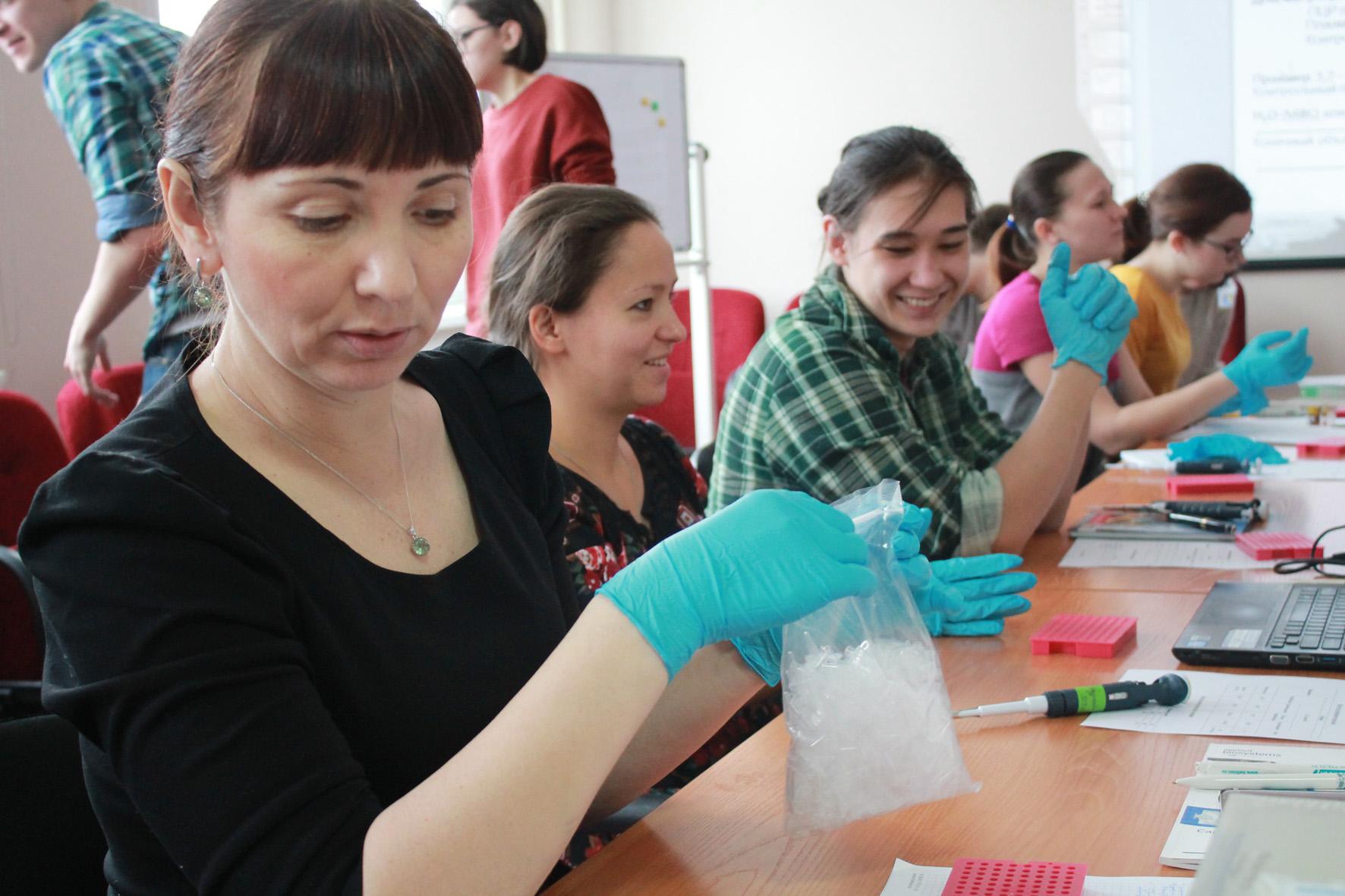 Работа в томске для девушек без образования работа для девушек в сфере досуга без выезда